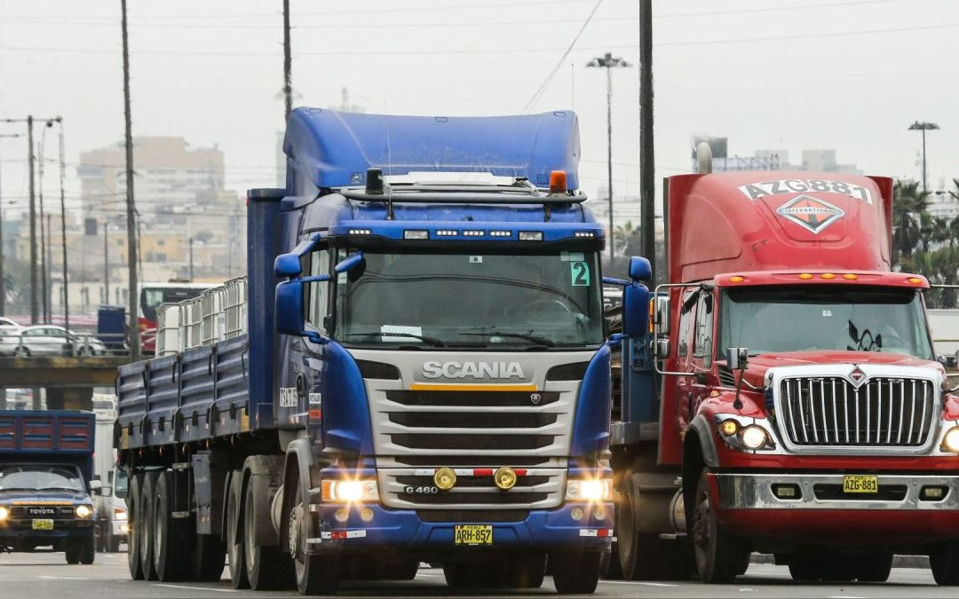 Transportistas subirán fletes de carga en 51% si se alzan las tarifas de peajes