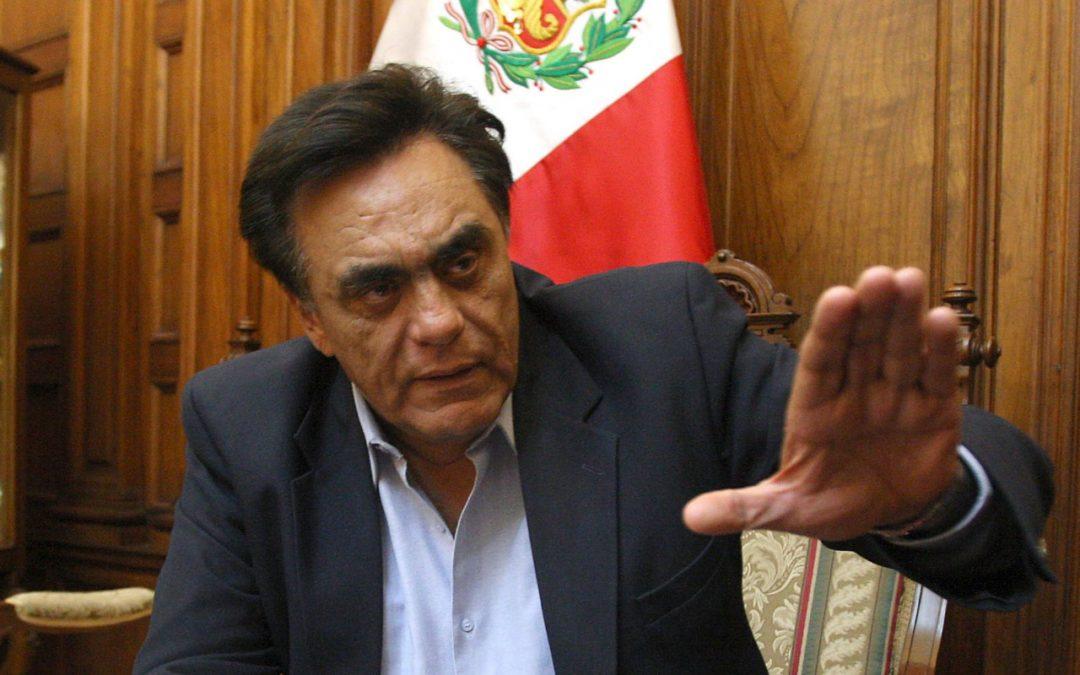 Denuncian eje político entre Lima y La Paz