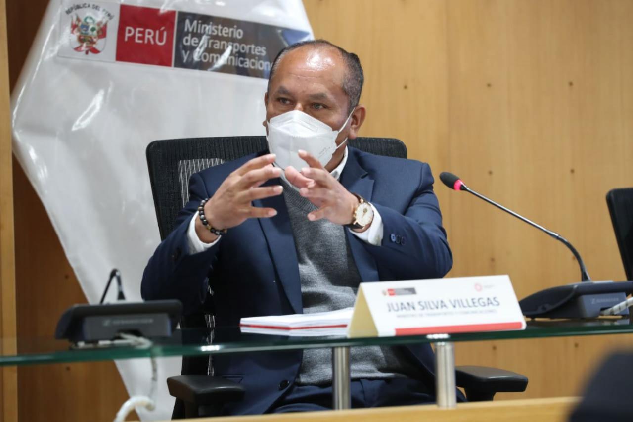 Ministro de Transportes arremete contra TV Perú