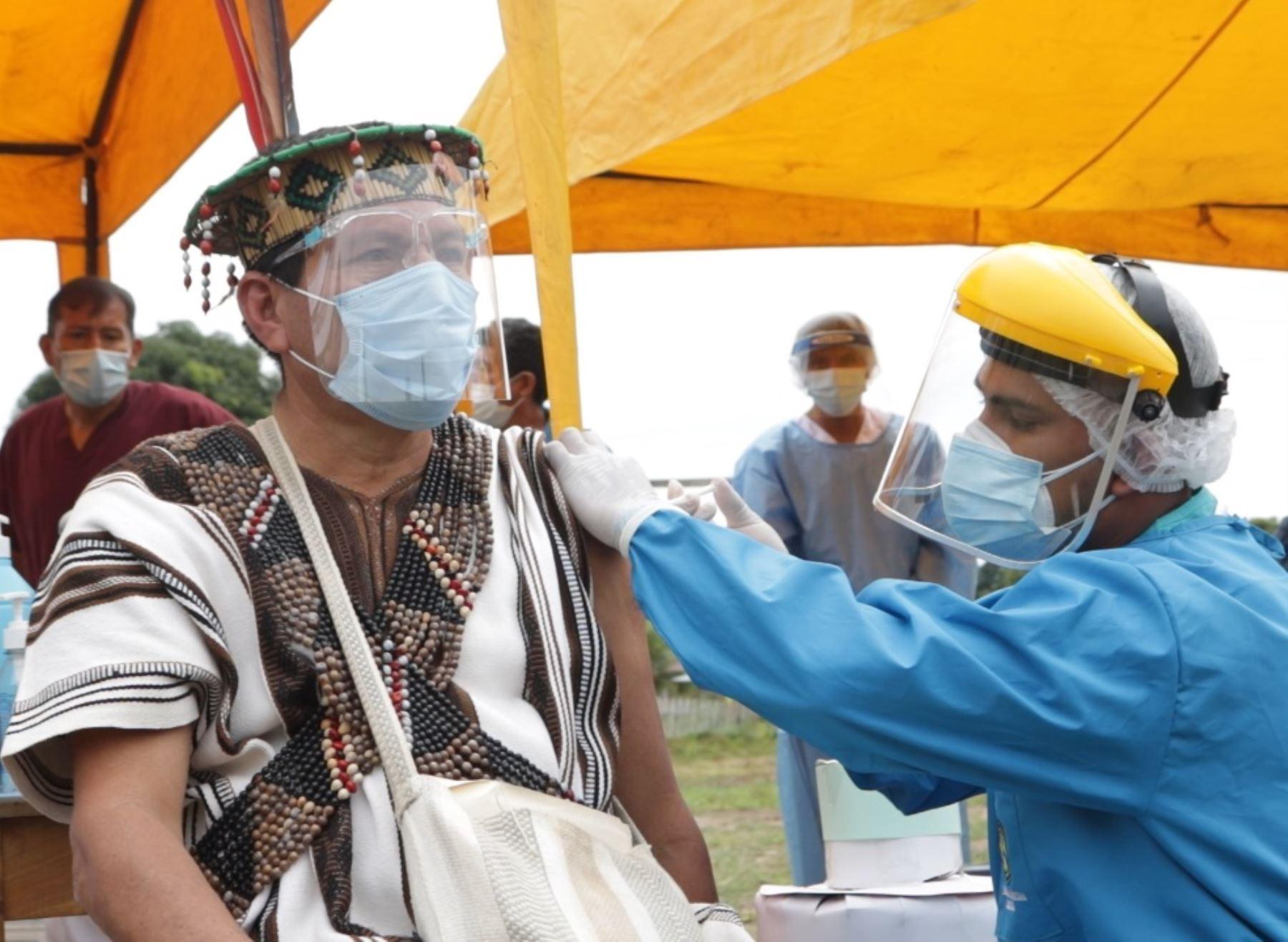 Covid-19: vacunación llega a comunidades indígenas