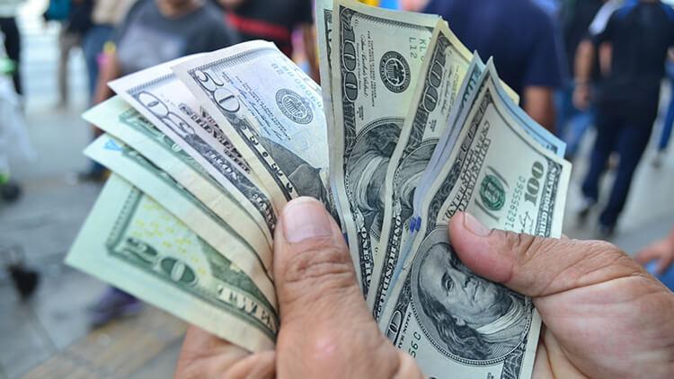 Dólar: Entérate cuánto podría caer el tipo de cambio en los próximo días