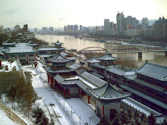 China manda a confinamiento a toda una ciudad por la COVID-19