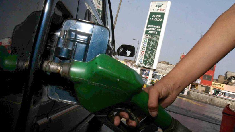 Desde hoy Petroperú bajará el precio del diésel