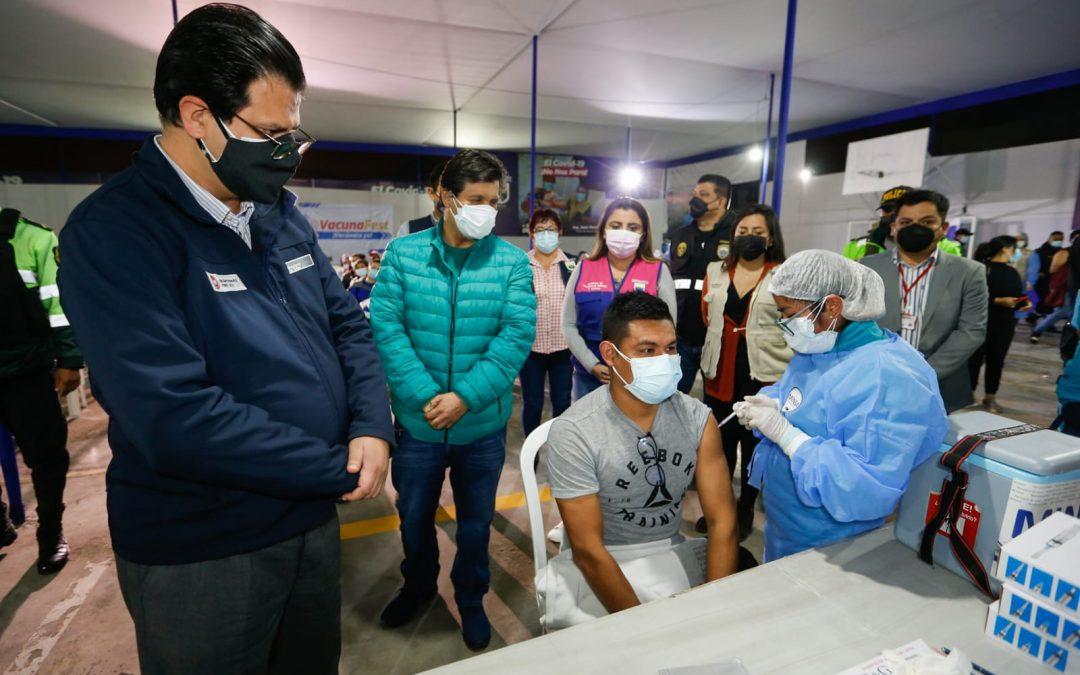 COVID-19: Esta semana no se bajará el rango de edad en vacunación, según viceministro de Salud