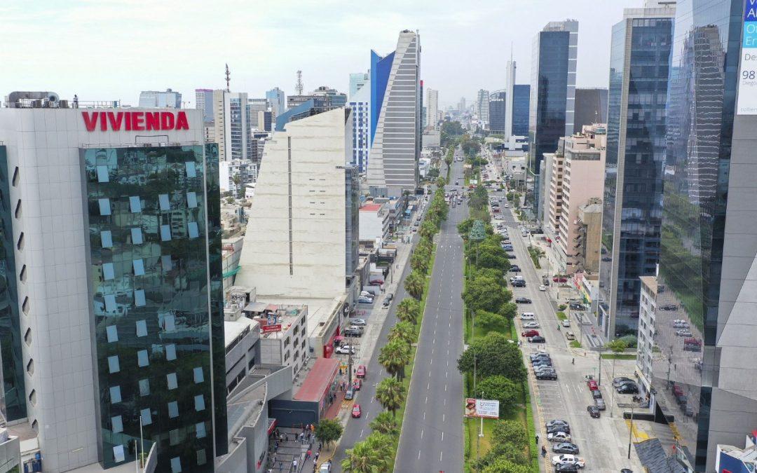 Rebajan calificación crediticia del Perú