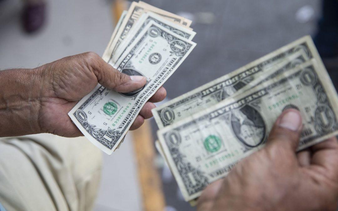 Tipo de cambio: Precio del dólar al alza
