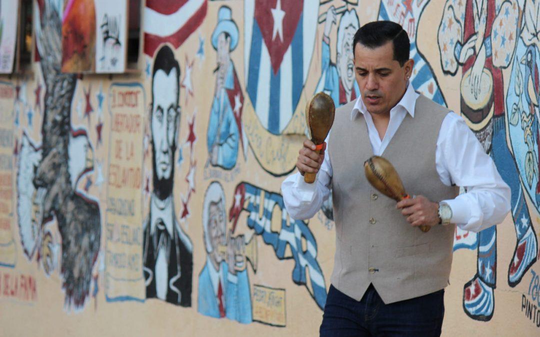 Peruano rinde tributo a Gilberto Santa Rosa