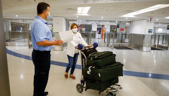 EE. UU: empleará nuevas normativas de ingreso para personas vacunados contra el COVID-19