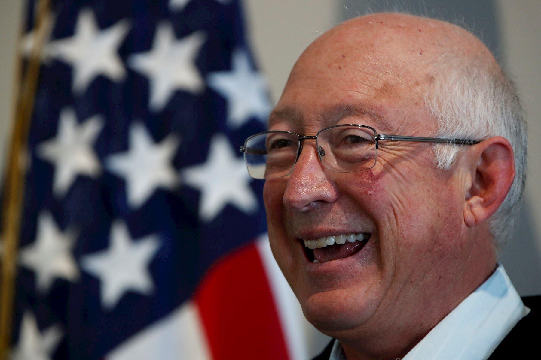 Embajador de EE. UU. Buscará solución a crisis migratoria