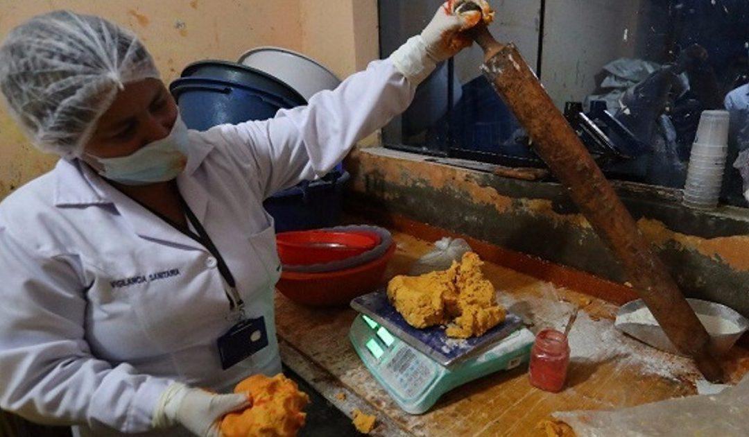 Clausuran panadería que vendía turrones en condiciones insalubres