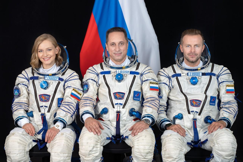 Rusia envía una tripulación para grabar la primera película en el espacio